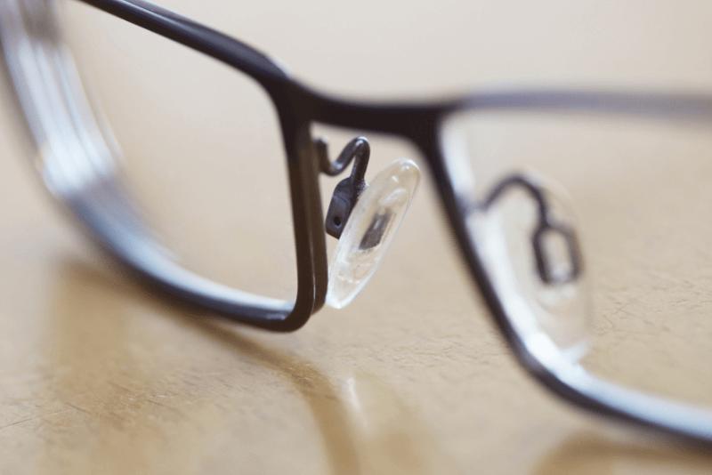 花粉症マスクをつけるとメガネが曇る対策アイテム改善方法まとめ
