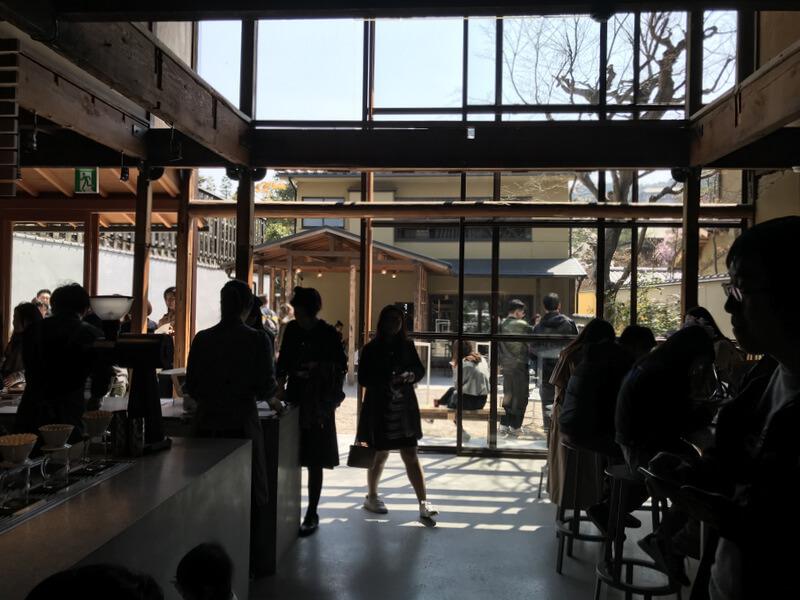 ブルーボトルコーヒー京都カフェ 店内