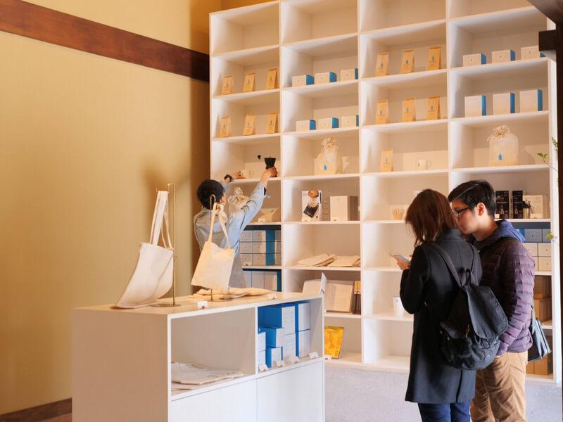 ブルーボトルコーヒー京都カフェのショップスペース