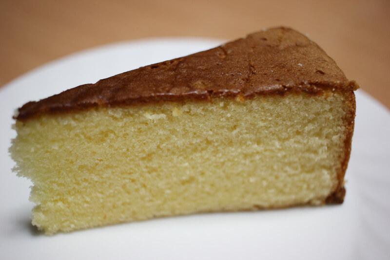ふわふわのバターケーキ