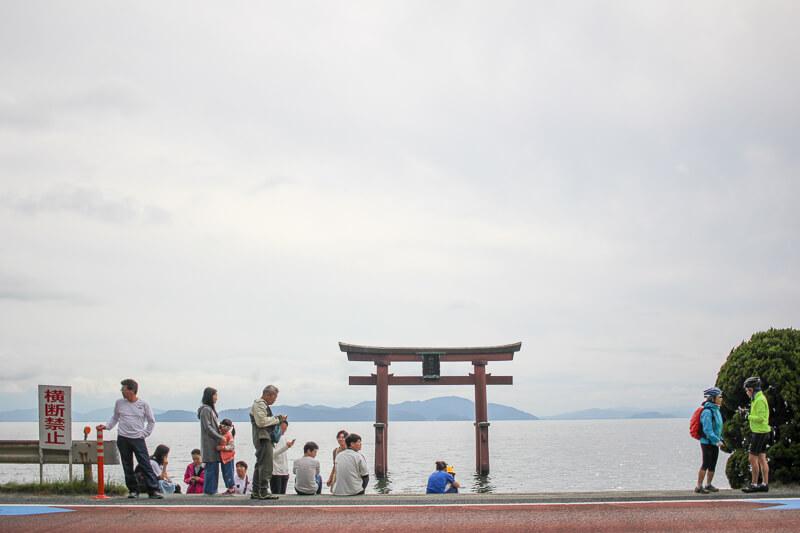 滋賀白鬚神社の「湖中鳥居」